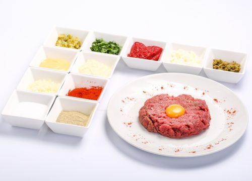 Biftek tartar  BIFTEK TARTAR Biftek tartar 500x360