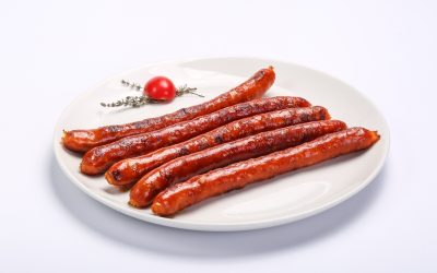 BARBECUED PORK SAUSAGES  BARBECUED PORK SAUSAGES Carnati de casa afumati 400x250