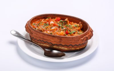 CHICKEN WITH VEGETABLE SAUCE  BEEF WITH VEGETABLE SAUCE Carne de vita in sos de legume 1 400x250