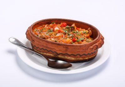CHICKEN WITH VEGETABLE SAUCE  BEEF WITH VEGETABLE SAUCE Carne de vita in sos de legume 1 400x280
