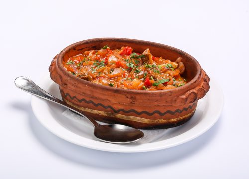 Carne de vita in sos de legume  CARNE DE VITA IN SOS DE LEGUME Carne de vita in sos de legume 1 500x360