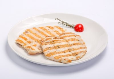 BARBECUED CHICKEN BREAST  BARBECUED CHICKEN BREAST Piept de pui la gratar 400x280