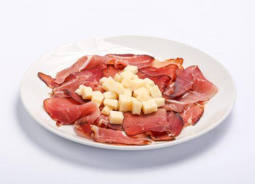 Prosciutto and parmesan  Prosciutto and parmesan Prosciutto cu parmezan 500x360