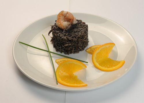 Black-risotto-with-shrimp-and-calamar  Black risotto with shrimp and calamar Risotto negru cu creveti si calamar 500x360