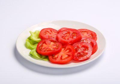 TOMATOES SALAD  TOMATOES SALAD Salata de rosii 1 400x280
