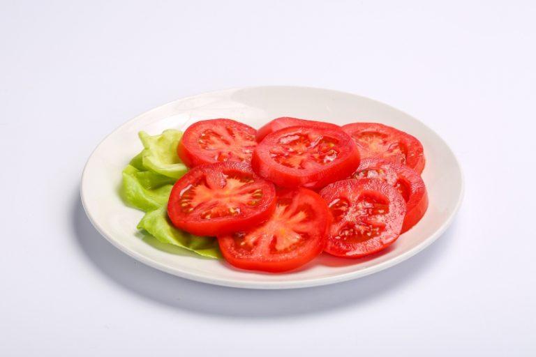 Salata de rosii  SALATA DE ROSII Salata de rosii 1 768x512