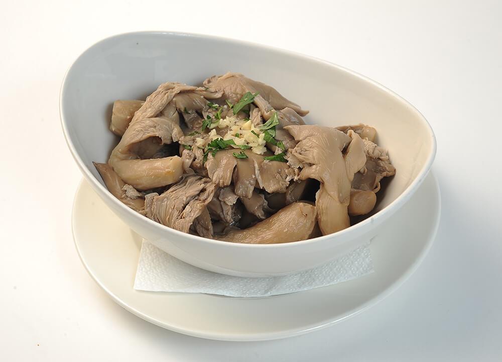 taverna-sarbului-salata-de-ciuperci