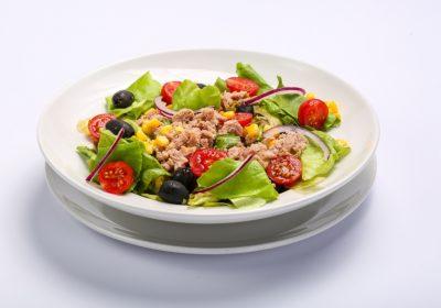 Tuna salad  Tuna salad Salata cu ton 400x280